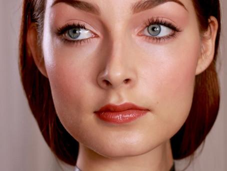 Persikkainen meikki