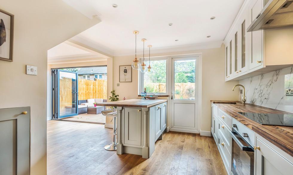 Stunning brand new kitchen