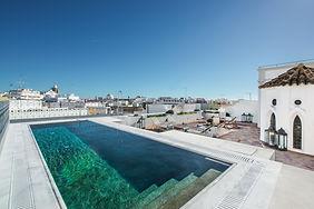 Poolside-Yoga-Holiday-Retreat-Portugal