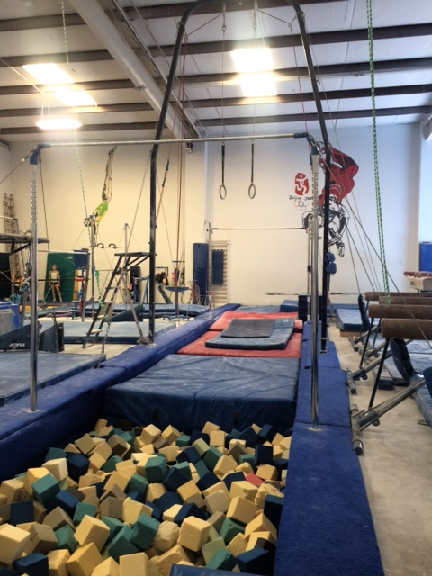 Foam pit and Mens Apparatus