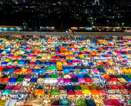 Mercado de Noche en Bangkok para disfrutar de la comida tailandesa