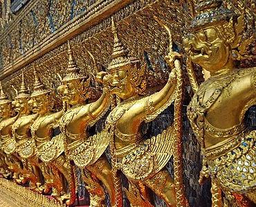 Más templos y figuras de budha en Bangkok