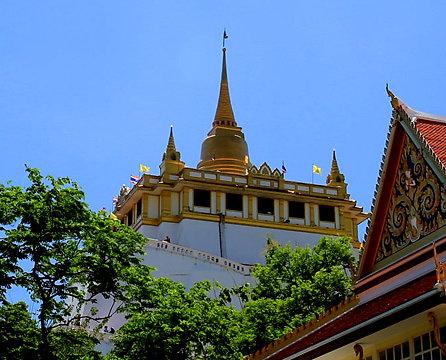 Desde la montaña dorada tienes unas vistas espectaculares de Bangkok
