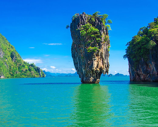 La isla de James bond o Koh Tapu está situada en el parque nacional de Phang Nga