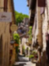 saint-cirq-lapopie-2398843_1920.jpg