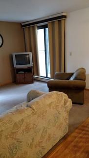 503 living area2 (360x640).jpg