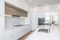 21-kitchen.jpg
