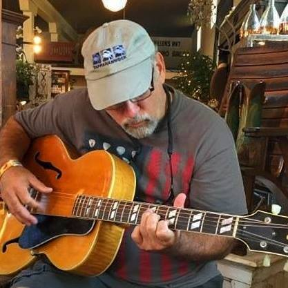 Playing vintage Gibson at Serenite Maiso
