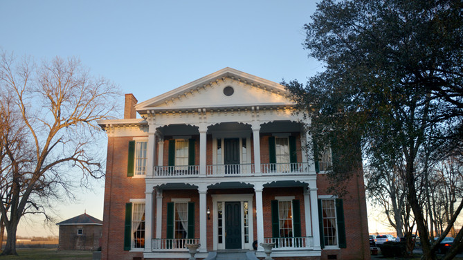 Ghostly Encounter at Belmont Plantation Leaves No Doubt About Delta Mansion's Playful Spirits