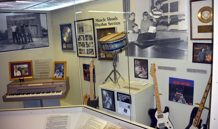 Muscle Shoals Rythym Section - AKA The Swampers - Alabama Music HOF - OR
