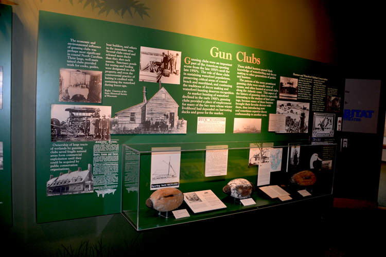 Ward Museum-Gunning Clubs Display