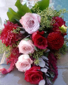Bouquets and boutonnieres for a gorgeous
