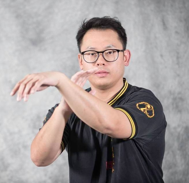 Practical Wing Chun instructor Lo