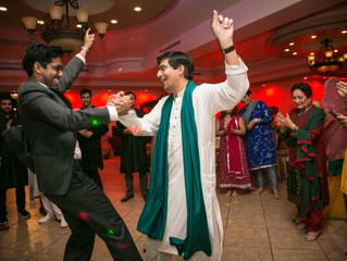 How to Select a Dhol Player for the Wedding Function?