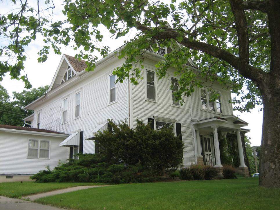 Home of Leon Reginald and Mary Blaine Lamoreaux Wayt.