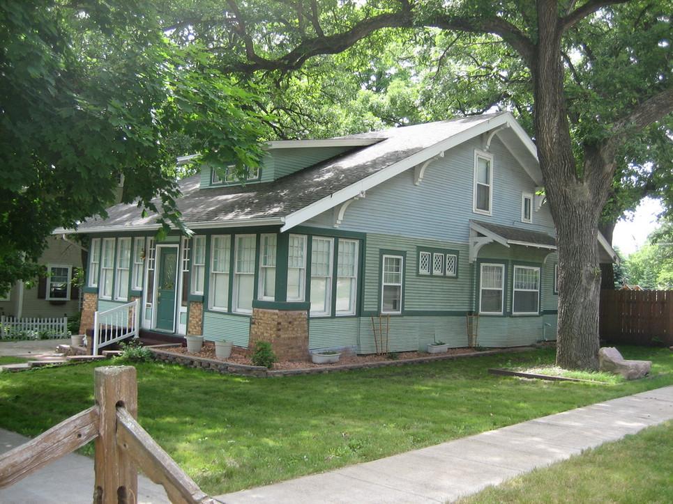Home of Bertram M. and Velma Wayt Grable.