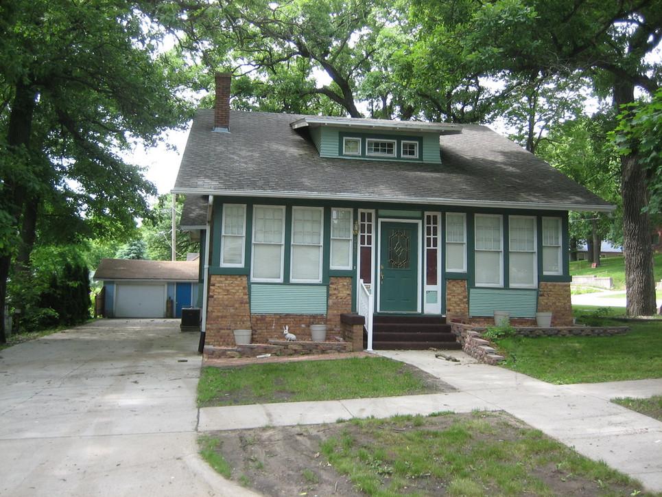 515 Leonard St., Sac City, home of Bertram M. and Velma Wayt Grable.