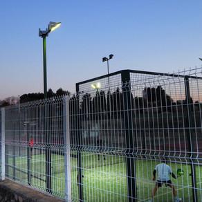 Factores a considerar para conseguir instalaciones deportivas de exterior con una óptima iluminación
