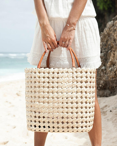 Top 7 Etsy shops for the perfect Raffia Summer Tote
