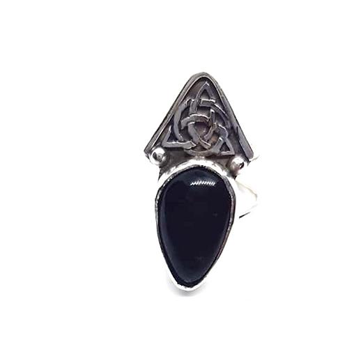 Triqueta de obsidiana