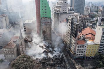Os prédios cadentes do Brasil