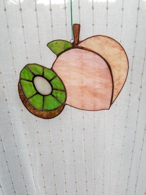 peach kiwi.jpeg