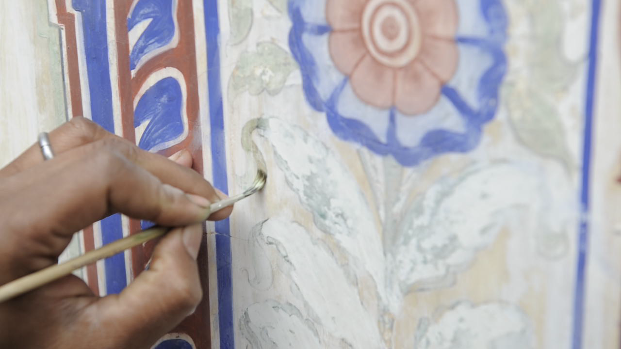 Restoring the frescoes