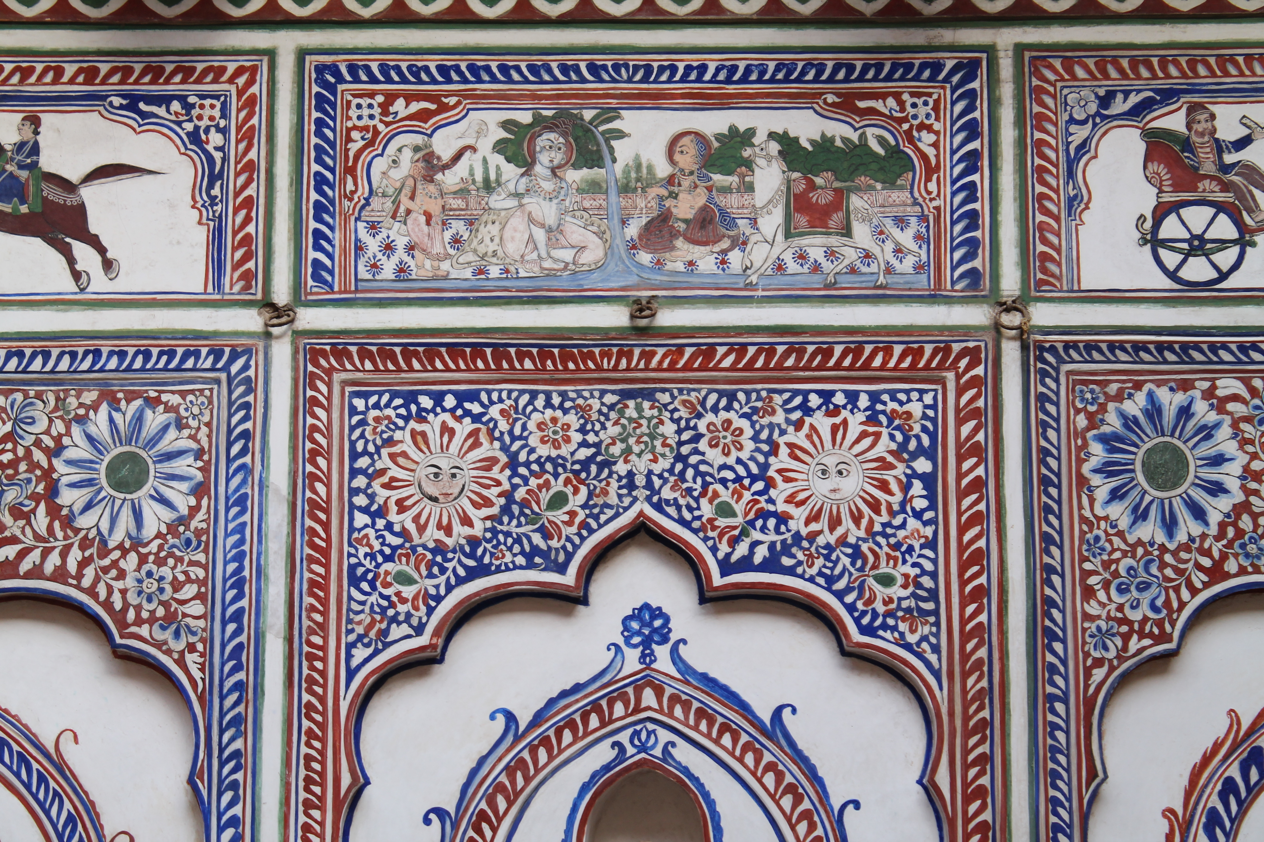 Le Prince Haveli frescoes