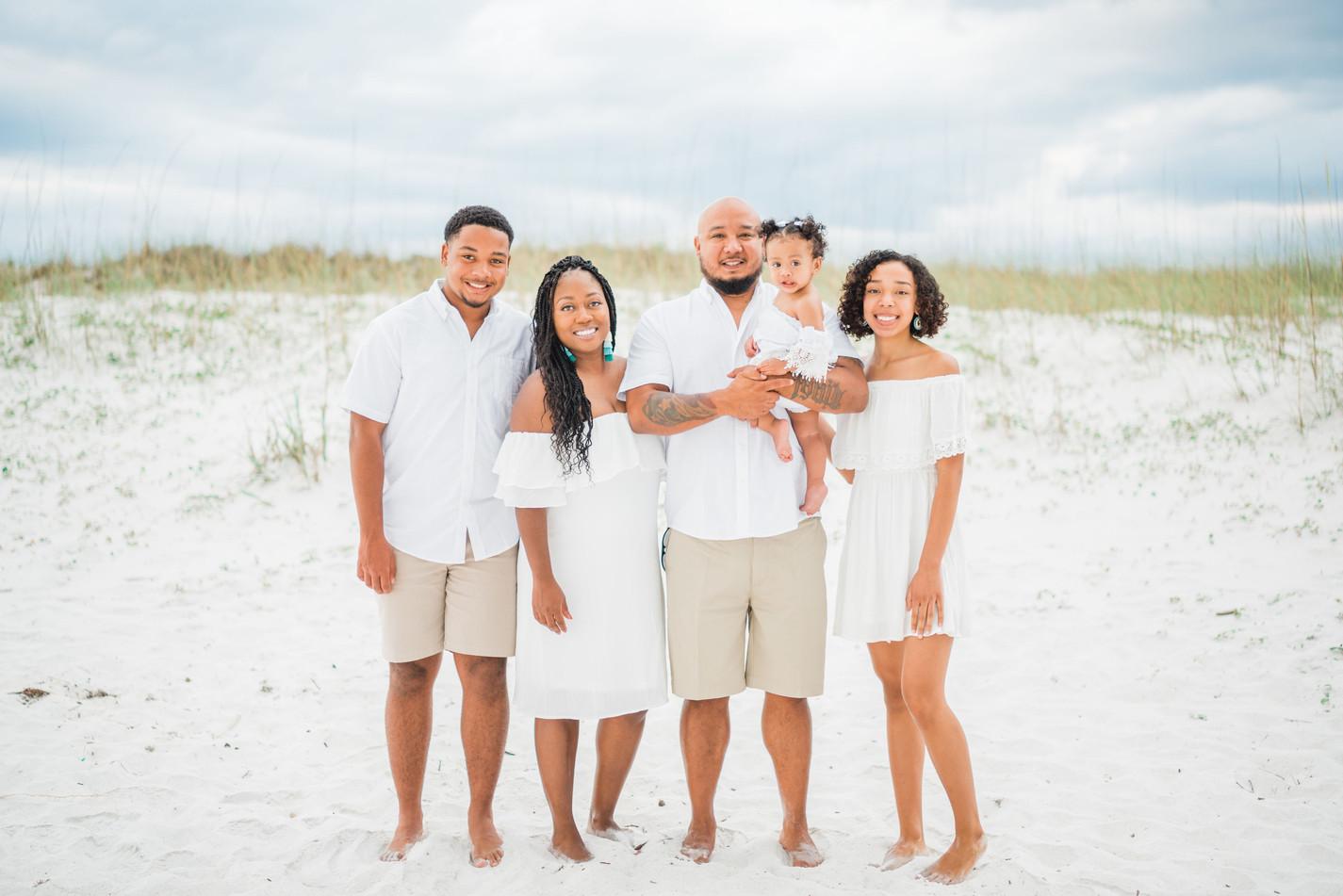thereyesfamily-1.jpg