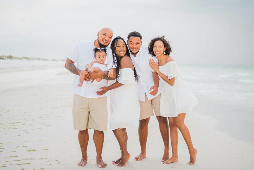 thereyesfamily-31_edited.jpg