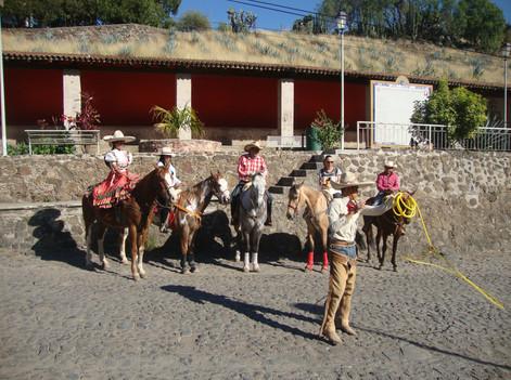 Cabalgatas, en Pueblo Tequila.JPG