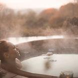 Femme dans Hot Tub