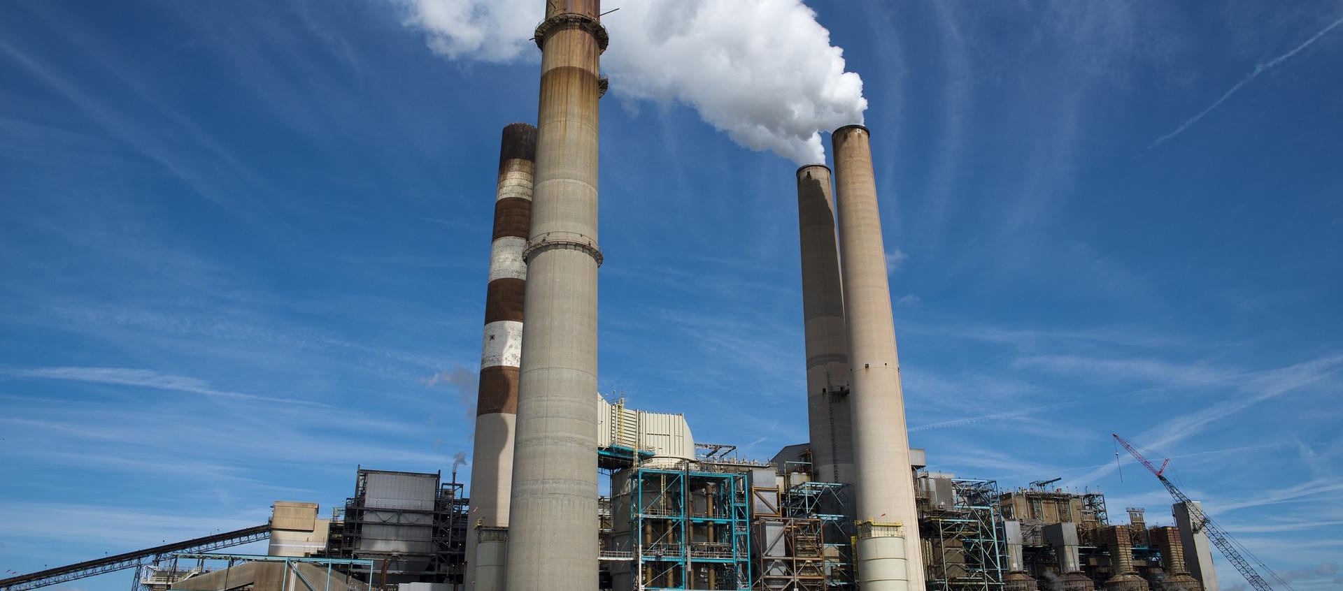 WEC Energy Group plans to shut down Oak Creek coal plants by 2024