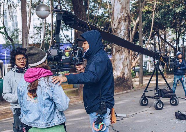 Equipe de câmera com seus brinquedos #osegredodedavi #osegredodedaviofilme
