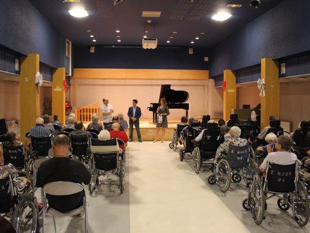 Piano Recital at Emile Roux Hospital