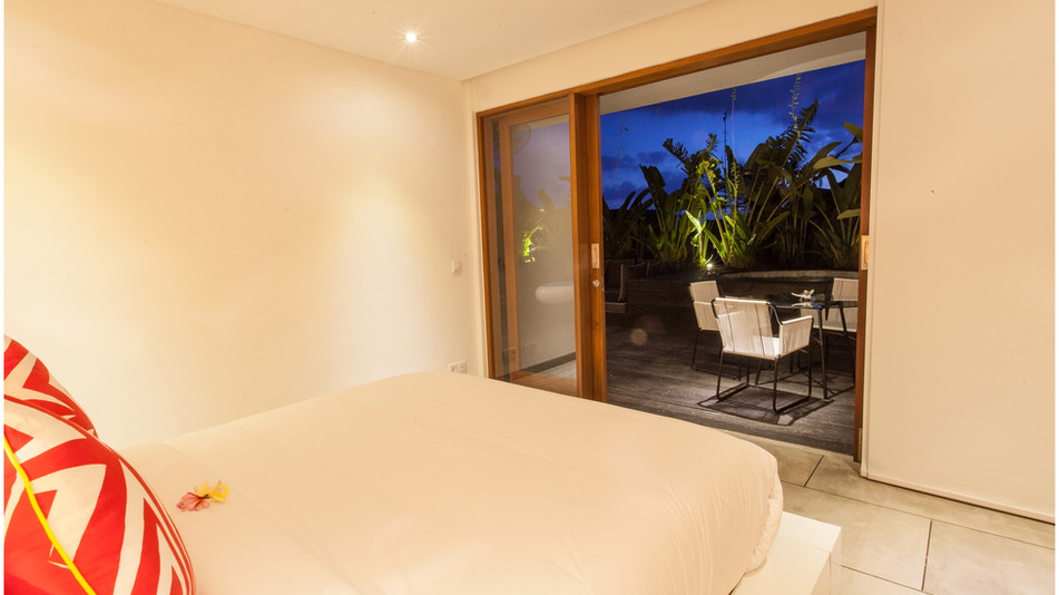 AB VILLAS - Bedroom of deluxe one bedroom apartment