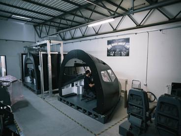 B737 flight simulator simworld facility.