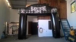 Black Trunk Race