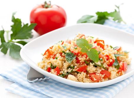 Ein Mittagessen zum Küssen - Tomaten-Couscous mit Joghurt-Dip