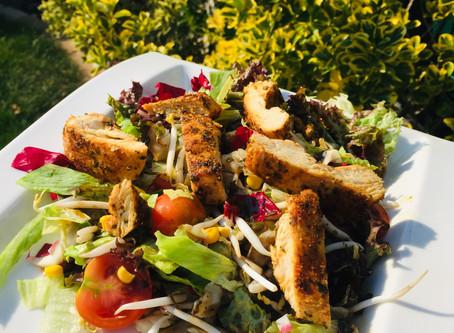 Das beste 10-Minuten-Rezept! Hühnerfleisch mit gemischtem Salat