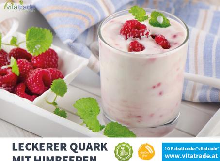 Quark mit Himbeeren