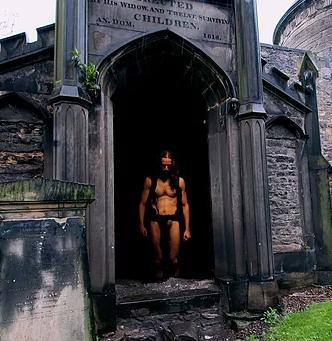 17 indicios sobre la desnudez Sobre The Naked Soul, de Syd Krochmalny  Lucas Soares