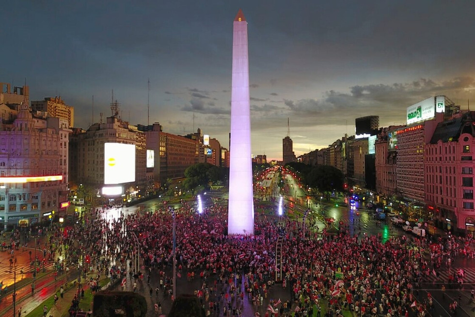 NEGOTIATING POLITICAL CONCEPTUALISM IN BUENOS AIRES DURING THE AIDS CRISIS
