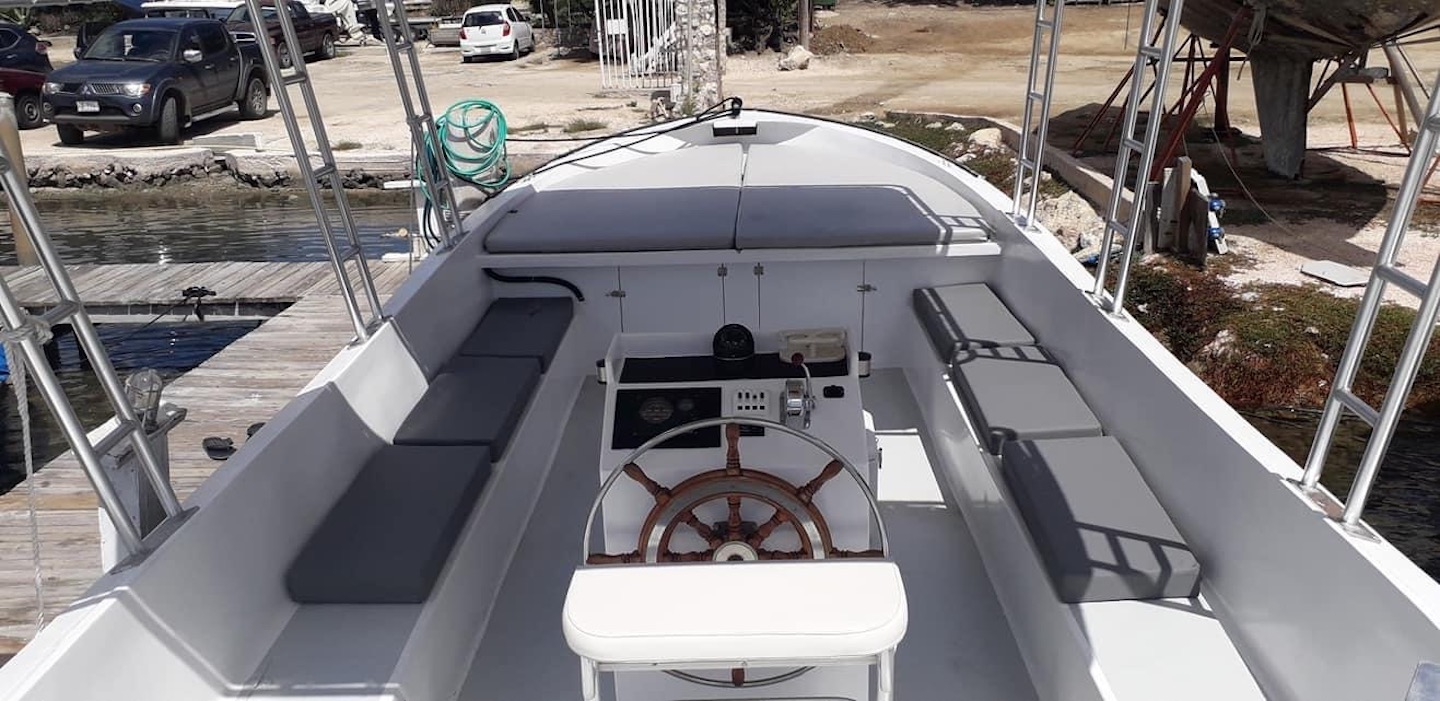 Sloop boat charters Curacao 2