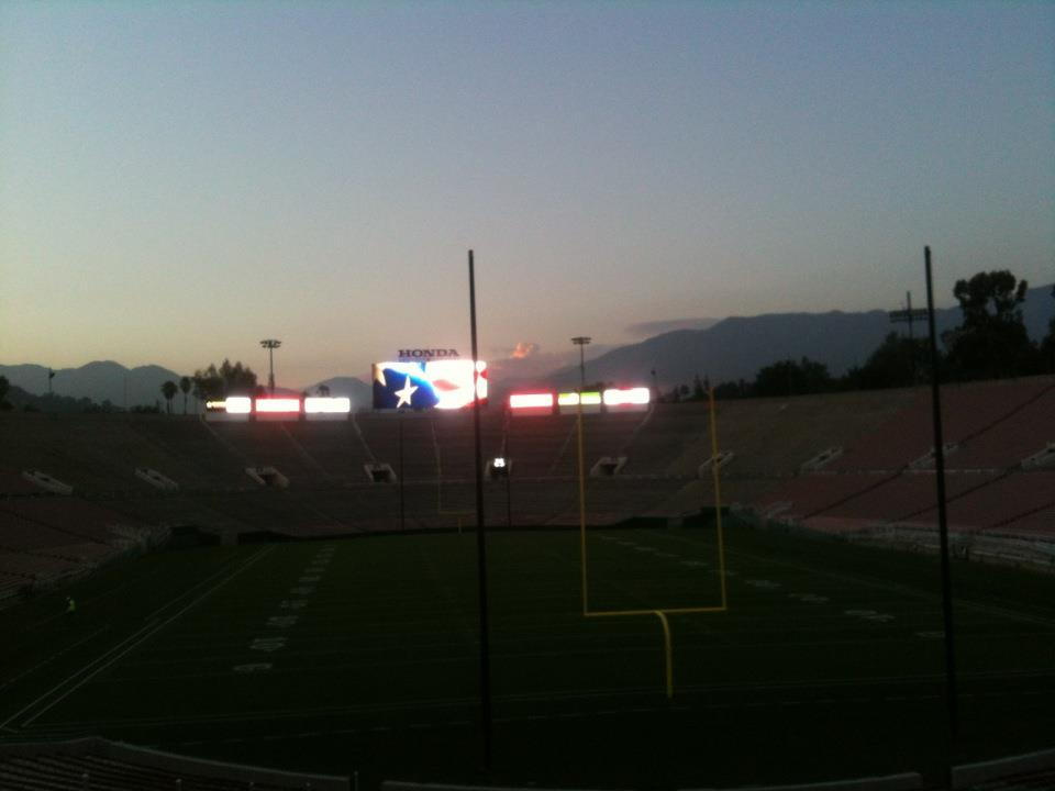 Picture perfect night at the Bowl