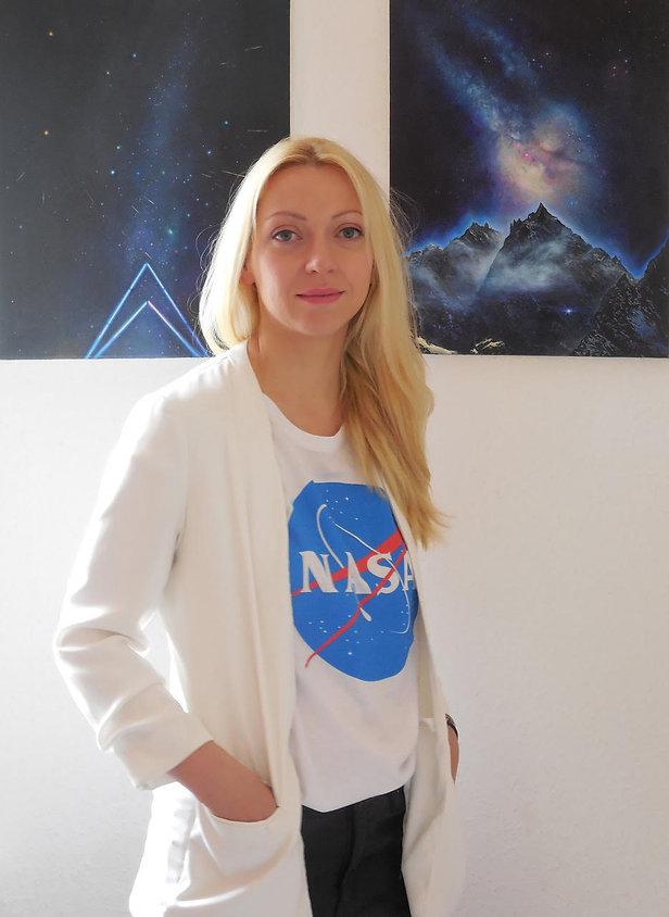 Anne Woelk.jpg