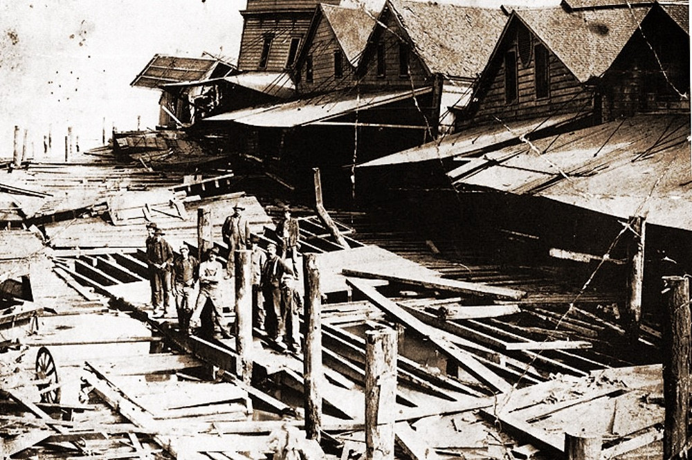 """Photo: Butchertown Collapses, 1906. From the book """"Vanished Waters"""". - Nancy Olmsted collection"""