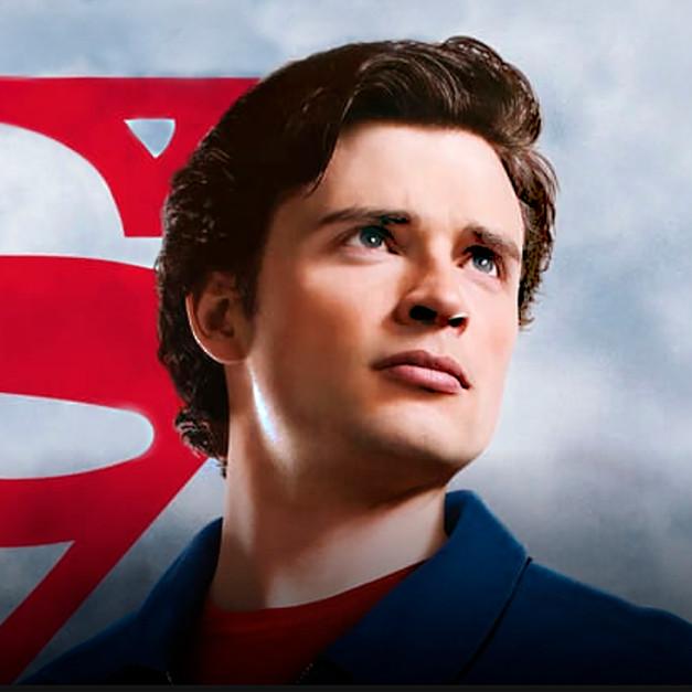 Smallville intro.jpg