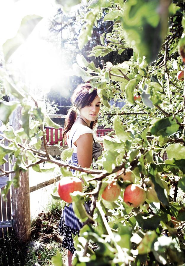 Haley-Sales-Apples-Kharen-Hill-224.jpg