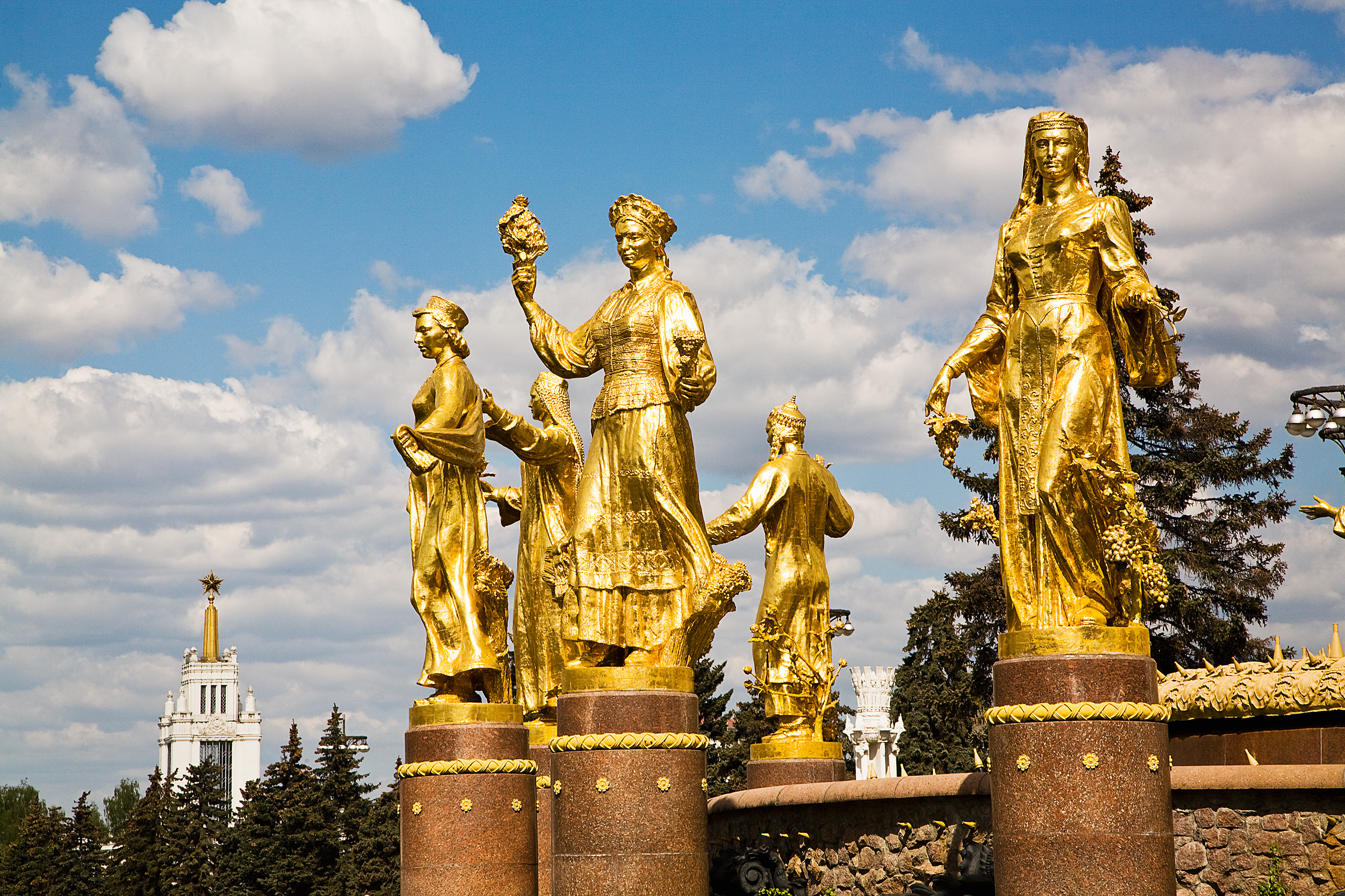 Russian gold statues